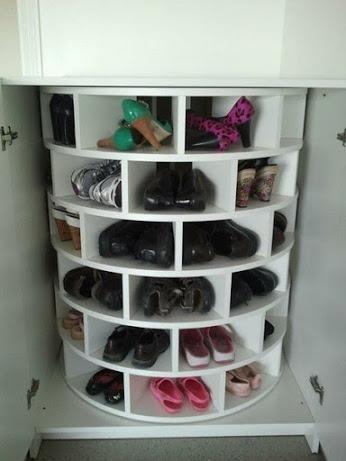 Good idea!节省空间鞋柜