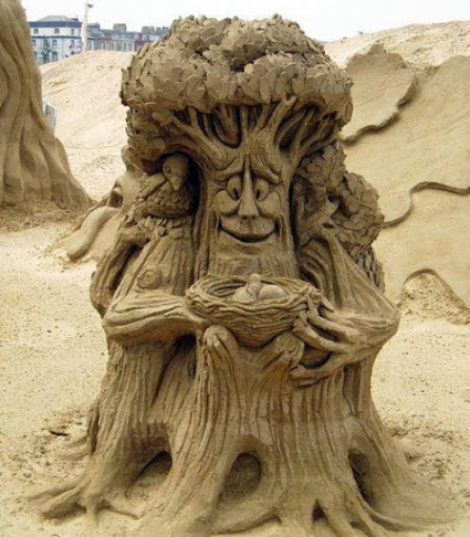 Amazing Sand art....!!! wow沙滩创意