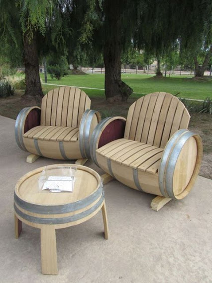 Nice Wooden Sitting Arrangement ..公园座椅