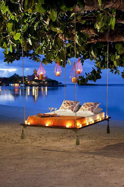 海边休息床