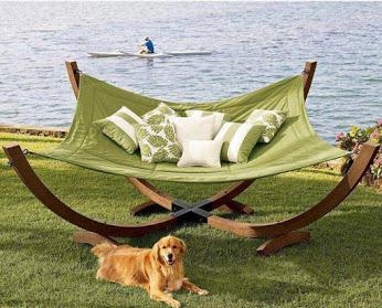 Cool ..海边浪漫椅子