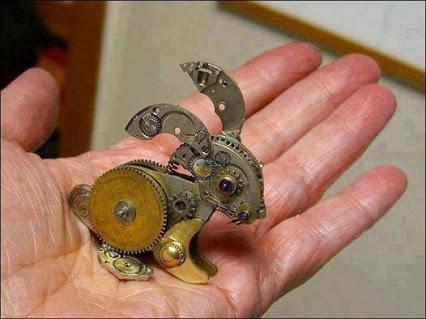 Old watch parts. 旧手表部件