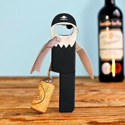Pirate Corkscrew. 海盗开瓶器。