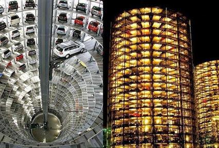 Amazing car-towers parking facility at-Wolfsburg, 惊人的望楼车停车设施在沃尔夫斯堡,德国。