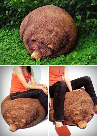 Big Sleeping Grizzly Bear Bean Bag.大睡灰熊豆袋。