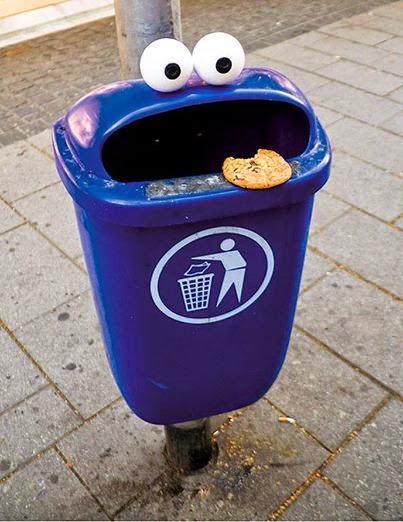 Cookie Monster Trash Can.做成怪兽样的垃圾桶。吓人不