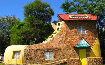 Crazy Shoes House Design.疯狂的设计,鞋型房子。