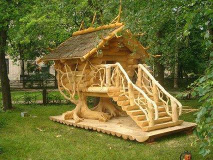 Custom Made Tree House.定制的树屋。