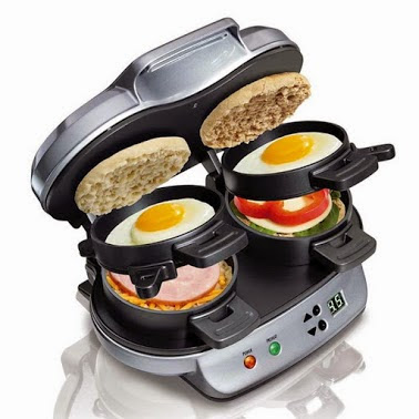 Dual Breakfast Sandwich Maker.双早餐三文治。
