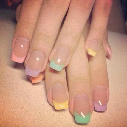 Idea of a manicure.一个修指甲的想法。
