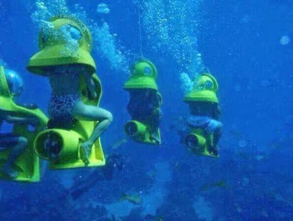 In the Bahamas you can take a leisurely underwater ride in a sub.在巴哈马群岛,你可以在一个悠闲的在水下坐潜艇
