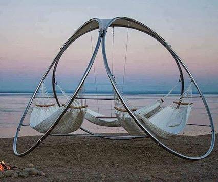 Infinity Hammock.. Love to try  创意无限,喜欢尝试沙滩上的吊床