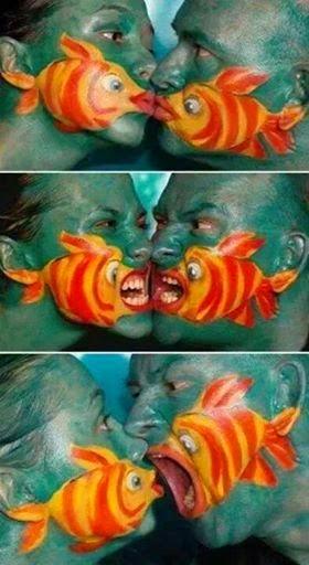 Nemo Face Painting.尼莫的脸画。