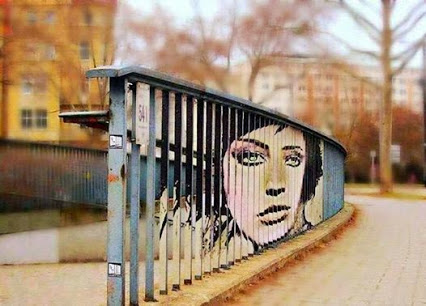 Street art, which can be seen only at a certain angle!街头艺术,只有在一定的角度可以看到!