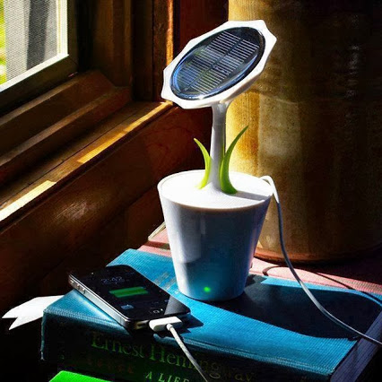 tecnologia-y-mas-1-Solar Powered Mobile Charger 供电的移动充电器